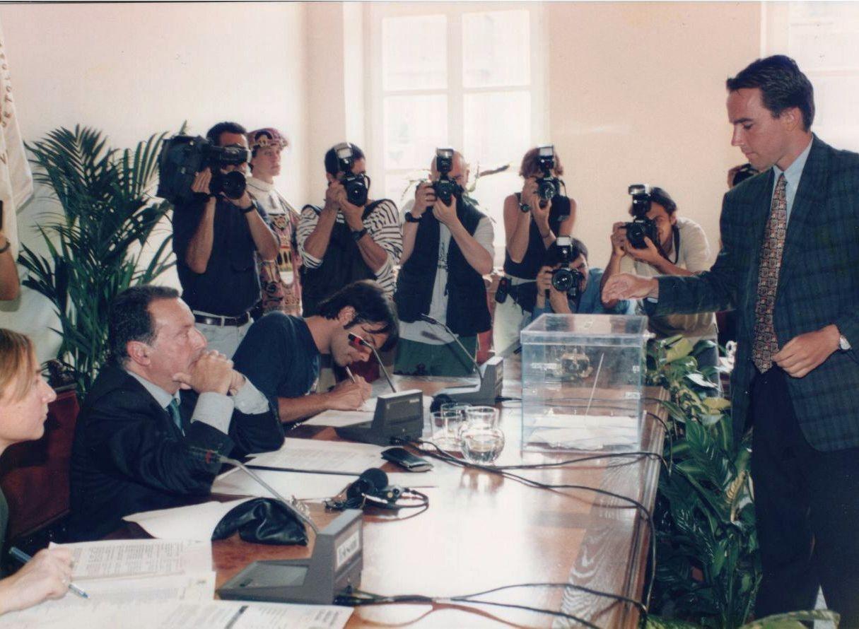 Toma de posesión en Tolosa 1999
